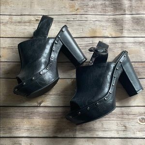 Unlisted Strap Buckle Clogs Sandals Black